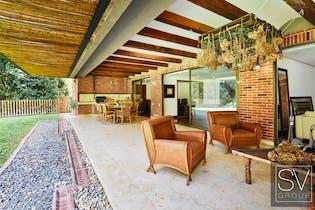 Casa en Altos de Aragon, cuenta con 3 habitaciones