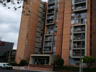 Un edificio alto sentado al lado de un edificio alto en VENTA PENTHOUSE COLINA CAMPESTRE, BOGOT
