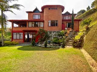 Casa en venta en El Tesoro de 4 alcoba