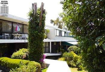 Casa en venta en Jardines del Pedregal, 700 m² con jardín