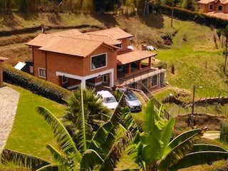 Casa en venta en Casco Urbano Guarne de 4 hab. con Zonas húmedas...