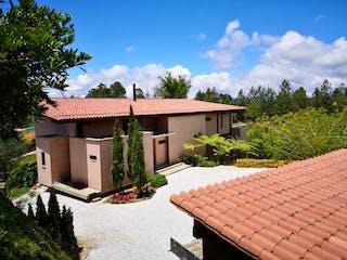 Casa en venta en Casco Urbano El Carmen De Viboral con acceso a Jardín