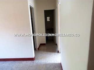 Una vista de un pasillo con una puerta en Apartamento en venta en Aures de 57 mt2.