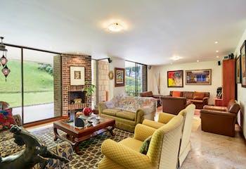 Casa en El Poblado, San Gabriel cuenta con 4 habitaciones