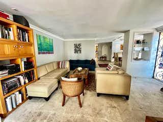 Casa en venta en Las Águilas, de 308mtrs2