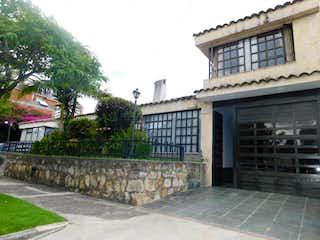 Casa en venta en Niza Norte de 380m² con Jardín...
