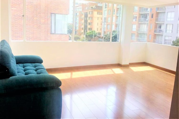 Portada Apartamento en venta en Barrio Cedritos de tres habitaciones