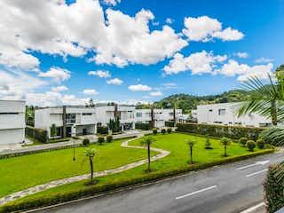 Casa en venta en Casco Urbano El Retiro, 380m²