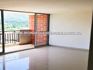 Una imagen de una sala de estar con una ventana en NORDICA 2107