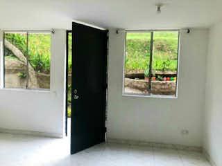 Casa  en venta de 80m2  en Loma de los Bernal, Medellin.