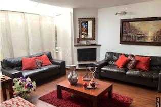 Casa en venta en La Calleja con acceso a Piscina