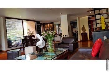 vendo apartamento duplex en rosales, cuenta con 2 habitaciones con chimenea.