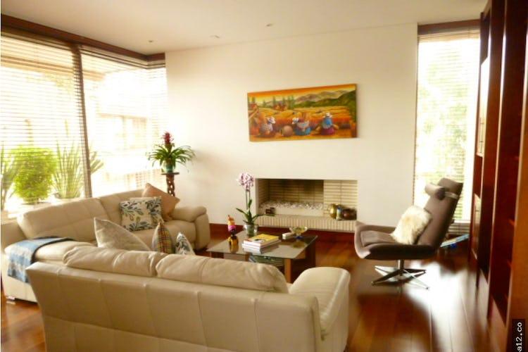 Portada Apartamento Bosque Verde -Suba, cuenta con chimenea y 3 garajes.