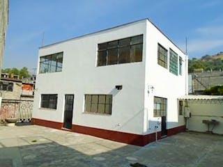 Casa en venta en San Pedro Zacatenco de 3 hab.