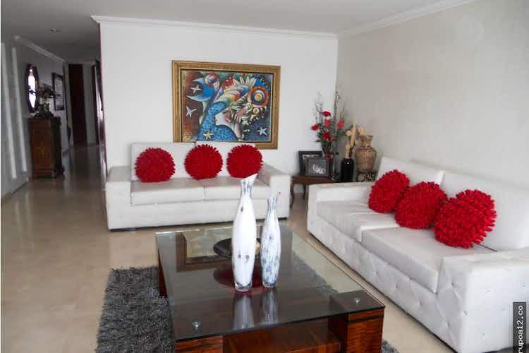 Portada Venta excelente apartamento en La Calleja Baja - con cuatro habitaciones