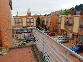 Vendo casa en Suba Pinar 3 H, 3 B, patio, 1 P