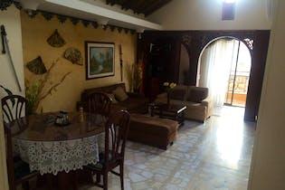 Venta Apartamento En Laureles Cuenta Con 8 Closet, 2 Salas De Estar.