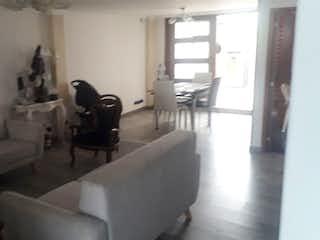 Casa en venta en Álamos Norte, 415mt de tres niveles