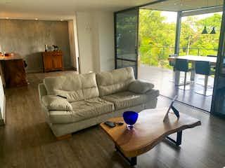 Casa remodelada en venta en Loma del Chocho Envigado