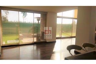 Vende Casa Cota Cundinamarca, cuenta con 2 niveles y 3 habitaciones.