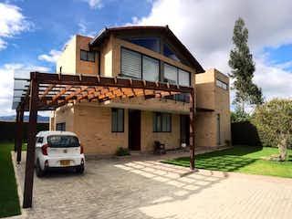 ¡Super Oportunidad! En Venta Hermosa Casa en Club-House, Chia-Cajica