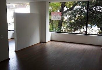Apartaestudio En venta, Bogota Chico Norte cuenta con 2 parqueaderos.