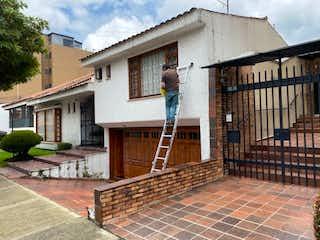 Casa en venta en Santa Paula, 391m² con Jardín...