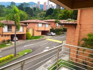 105664 - Casa en Unidad cerrada para la venta precio de oportunidad Poblado