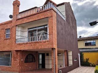 Casa en venta en Fonquetá de 4 hab. con Balcón...
