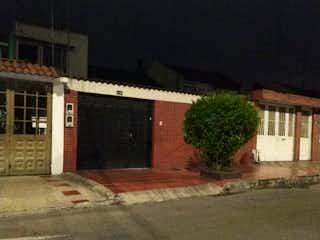 Casa en venta en Castilla de 6 alcobas