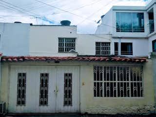 Casa en venta en Castilla con acceso a Jardín