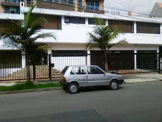 Casa en venta en Chicó Navarra con Bbq...