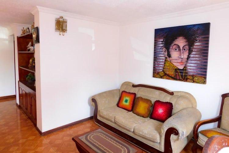 Portada Apartamento En Venta En Bogota-Santa Helena, cuenta con 3 habitaciones.