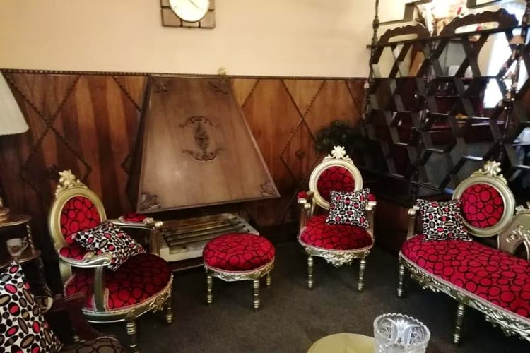 Portada Casa En Venta En Bogota Mandalay I Sector, cuenta con 2 niveles y 4 habitaciones.