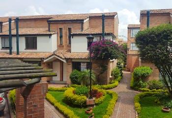 Apartamento en venta en Mirandela de 76m² con Jardín...