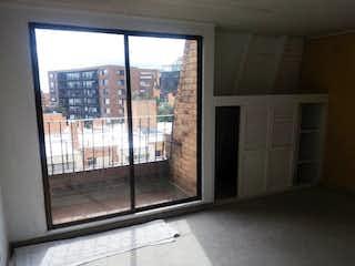 Una ventana que está en la cocina en Apartamento En Venta En Bogota Bella Suiza- 3 alcobas