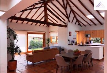Casa en venta en Casco Urbano Cajicá de 3 habitaciones
