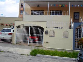 Casa Lomas de Zapopan calle Alburquerque