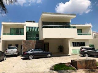 Casa en Venta Puerta de Hierro - Condominio Navarra $ 28'900,000