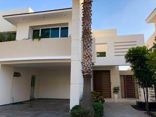 Preciosa Casa Minimalista en Puerta de Hierro