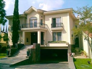 Preciosa Casa en Puerta de Hierro