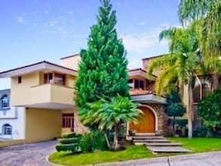 Hermosa casa en venta o renta en Puerta de Hierro