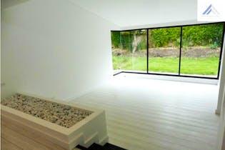 Casa en Venta con 608m2, Jardín en Santa Bárbara.