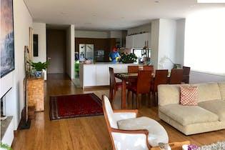 Apartamento en venta en Country Club con acceso a BBQ