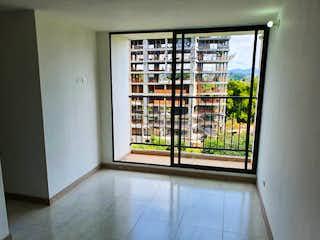 Una ventana que tiene una ventana en ella en Apartamento en venta en Centro de 3 hab.