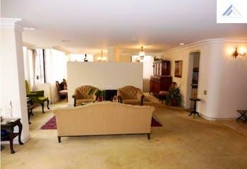 Apartamento en Venta con 210m2, 3Haboitaciones en La Carolina.