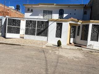 Casa en venta en Fracc Pinar De Las Palomas de 3 hab. con Bbq...