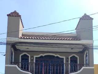 Casa en venta en Lagos De Oriente 220m²