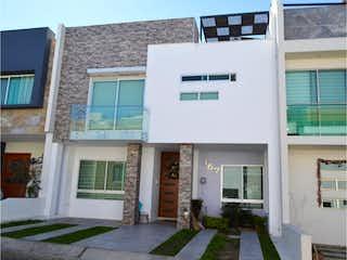 Casa en venta en Fracc Colinas El Centinela, 290m² con Bbq...