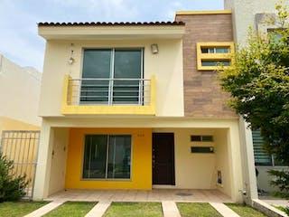 Casa en venta en Fracc Colinas El Centinela de 3 hab. con Bbq...